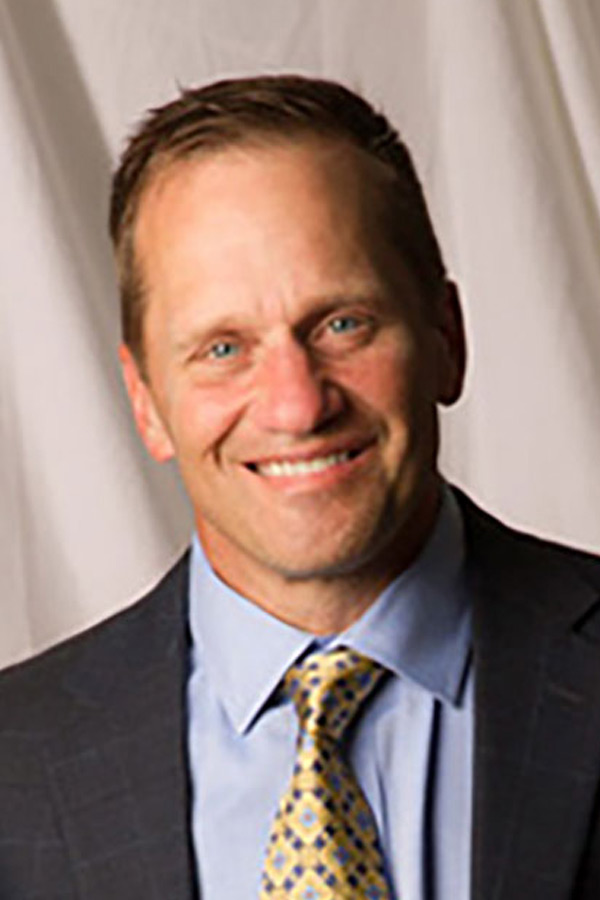 Dr. Donald Santora, MD is a board-certified ophthalmologist who has performed more than 20,000 refractive surgeries.